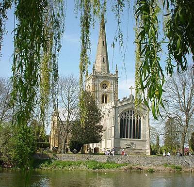 Stratford-upon-Avon for Accommodation, Touring, Dining, Walking...